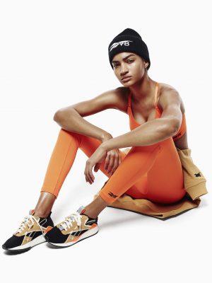 Victoria Beckham brengt strakke sportlijn uit met Reebok 150*150