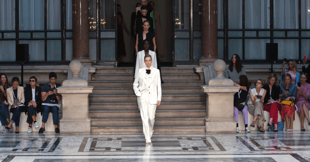London Fashion Week: dit is Victoria Beckham SS20