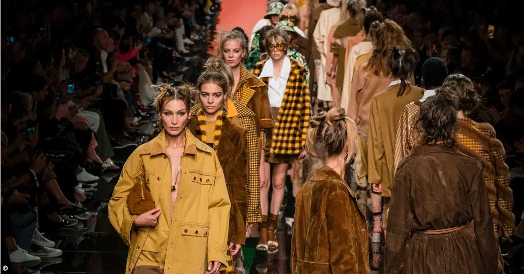 Milan Fashion Week: de Fendi SS20 show in beeld