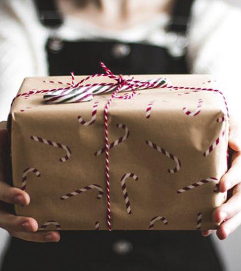 Van turntassen tot strips: dit zijn de vijf meest aangeboden 'foute cadeaus' op Kerst 2019