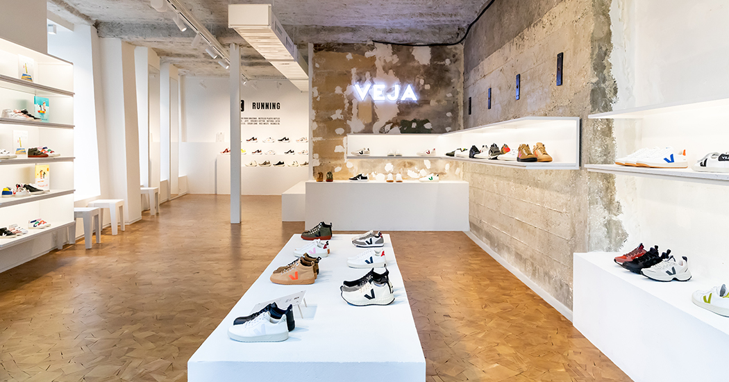 VEJA opent eerste flagship store in Parijs