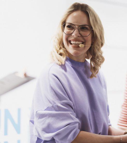 Esprit en UN Women zetten schouders onder #YouRule campagne
