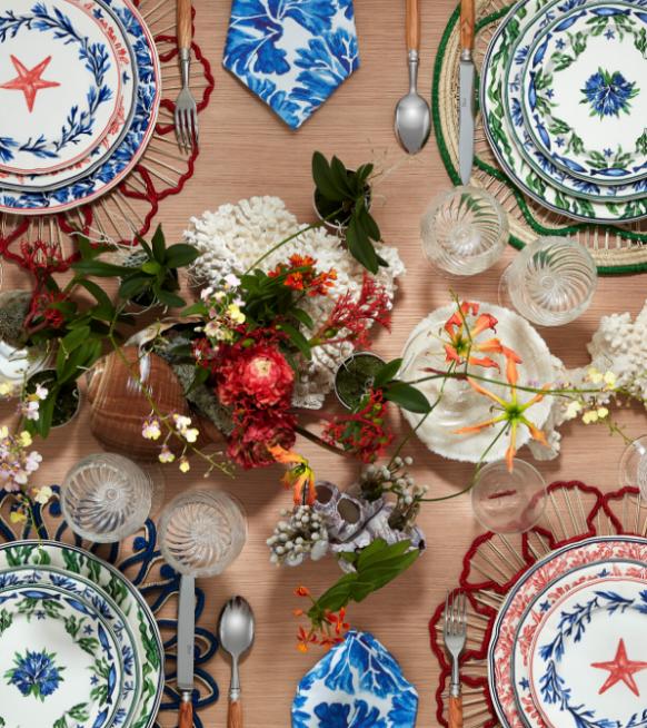 Glamoureus tafelen? Upgrade je etentje met de gloednieuwe Dior Maison Copacabana collectie