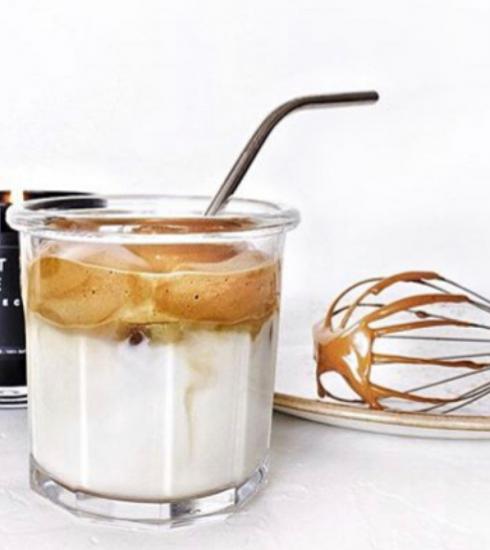 Quarantaine trend: Ontdek dalgona koffie, heerlijk, romig en ijskoud