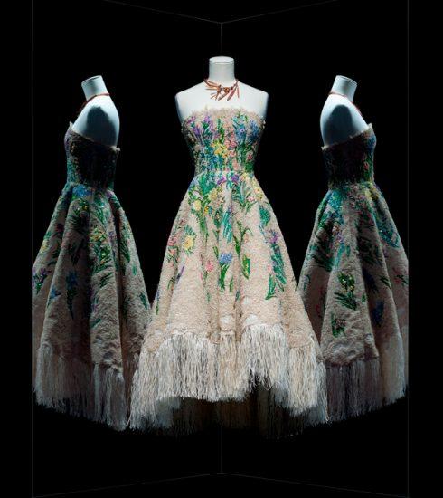 Ontdek de tentoonstelling 'Christian Dior: Designer of Dreams' vanuit je luie zetel
