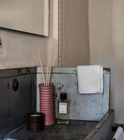 Modehuis Loewe lanceert geurcollectie voor in huis