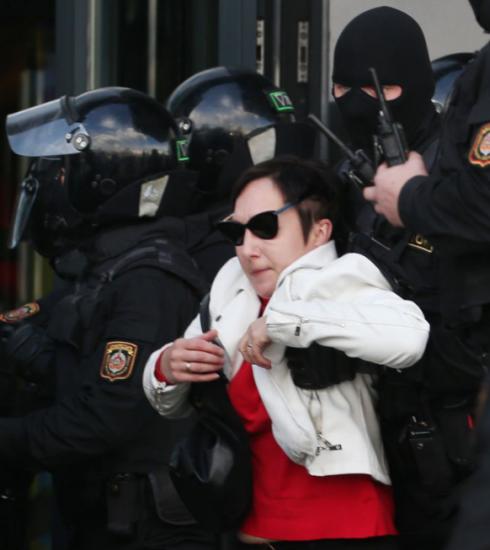 Waarom duizenden vrouwen samen protesteren in Belarus