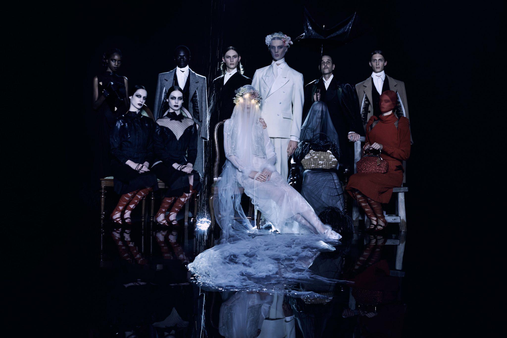 De SS21-collectie van Maison Margiela biedt stijlvolle inspiratie voor Halloween - 16