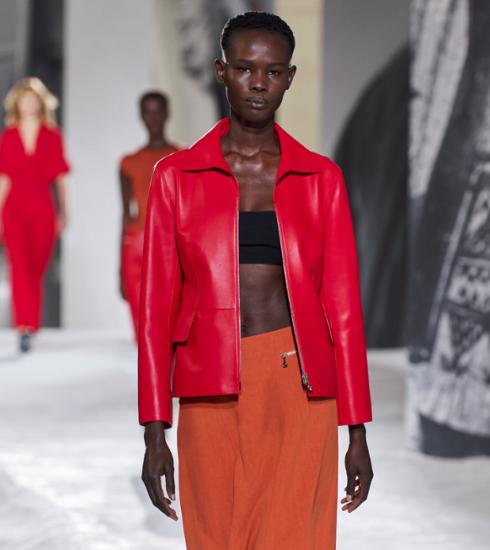 De mooiste leren items waren te zien op de catwalk bij Hermès