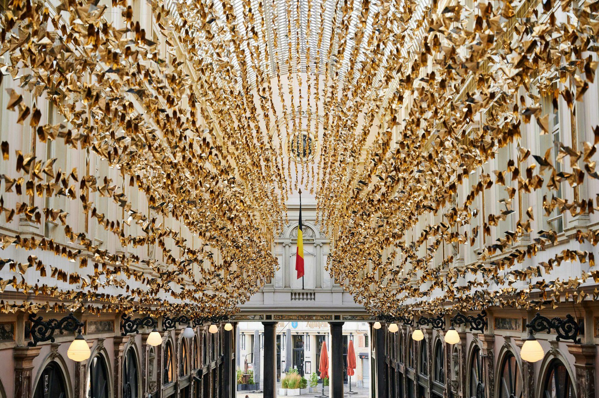Duizenden origami's fleuren Koninklijke Sint-Hubertusgalerijen in Brussel op - 2
