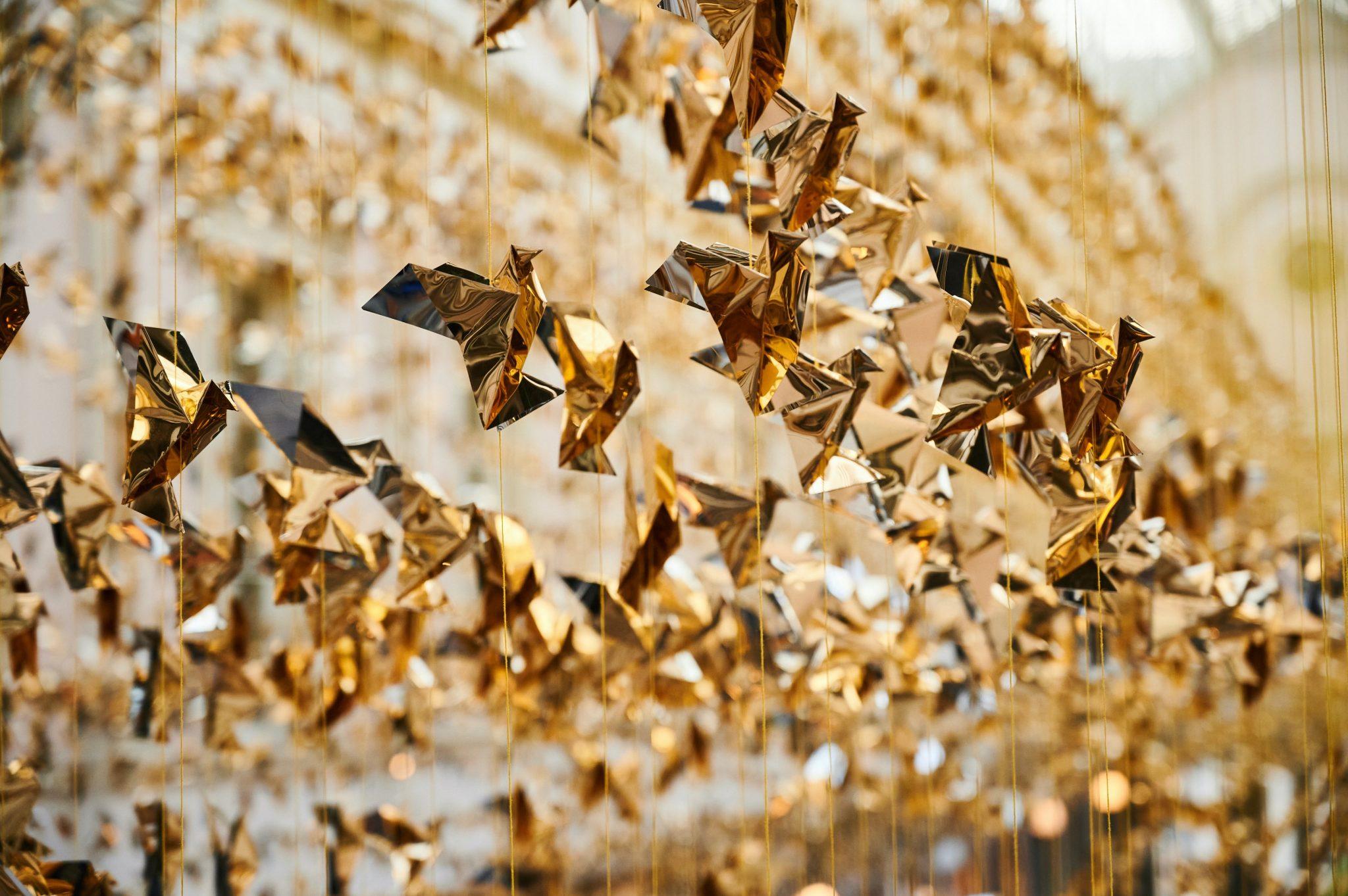 Duizenden origami's fleuren Koninklijke Sint-Hubertusgalerijen in Brussel op - 3