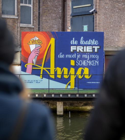 Straten kleuren goud als ode aan Belgische frietjes