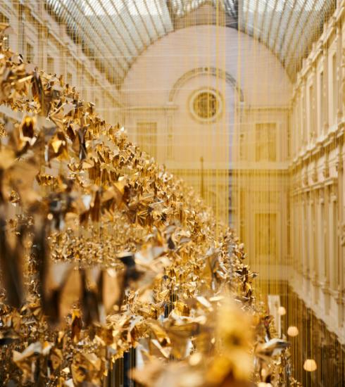 Duizenden origami's fleuren Koninklijke Sint-Hubertusgalerijen in Brussel op