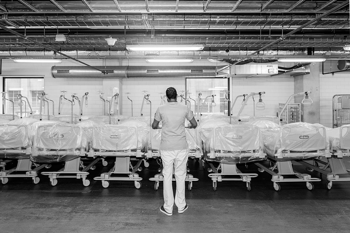 6 fotografen brengen de impact van de pandemie op een grootstad in beeld - 7