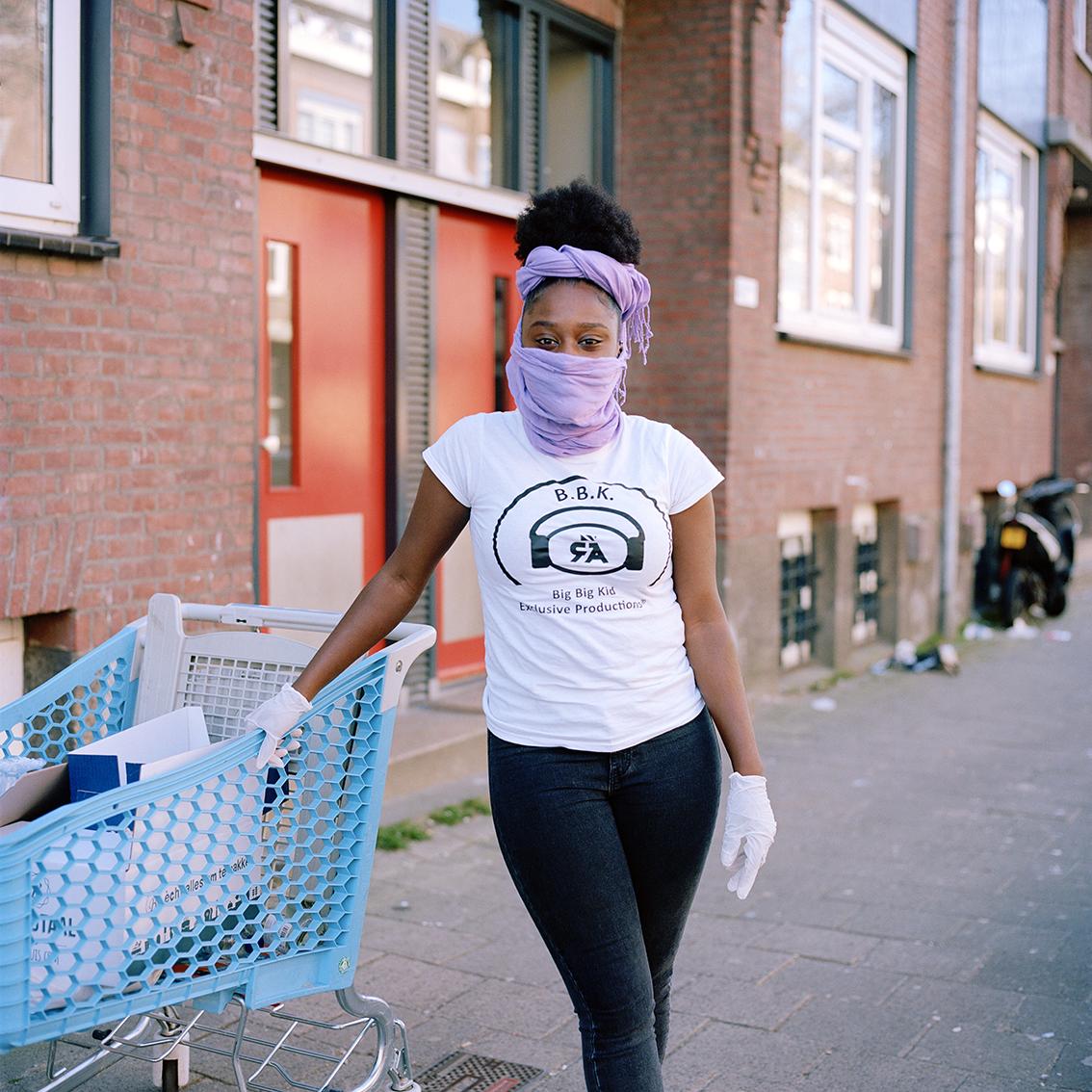6 fotografen brengen de impact van de pandemie op een grootstad in beeld - 8