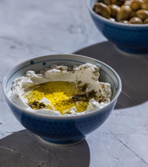 Alles over labneh, de gezonde Libanese yoghurtdip die aan populariteit wint