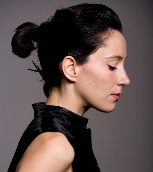 Saskia De Coster is ongelijkheid tussen mannen en vrouwen beu en richt sekte op