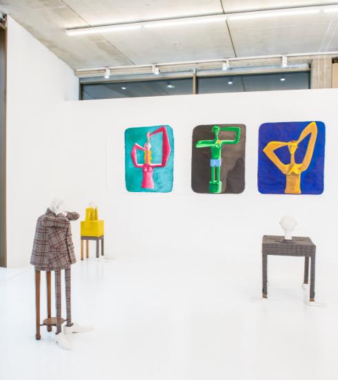 Ontwerper Dirk Van Saene maakt debuut als keramiekkunstenaar