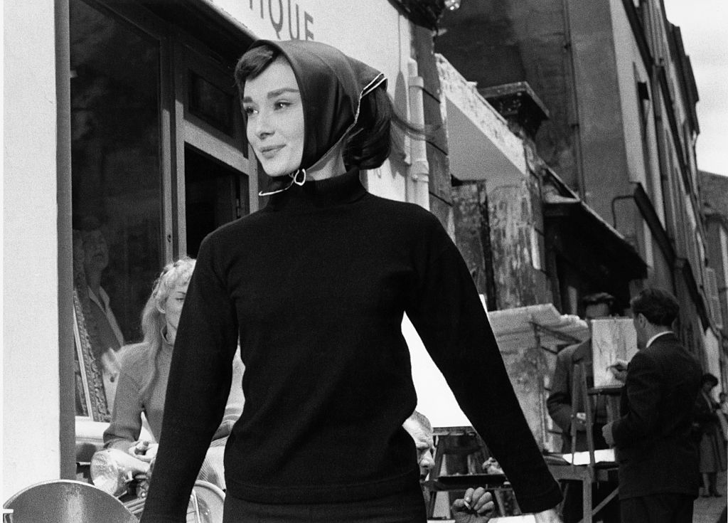 Zo draag je de bandana deze lente, zoals gespot bij Max Mara en Dior - 1