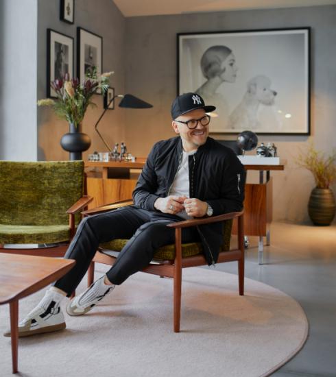 Binnenkijken in het extravagante huis van modefotograaf Armin Morbach in Hamburg