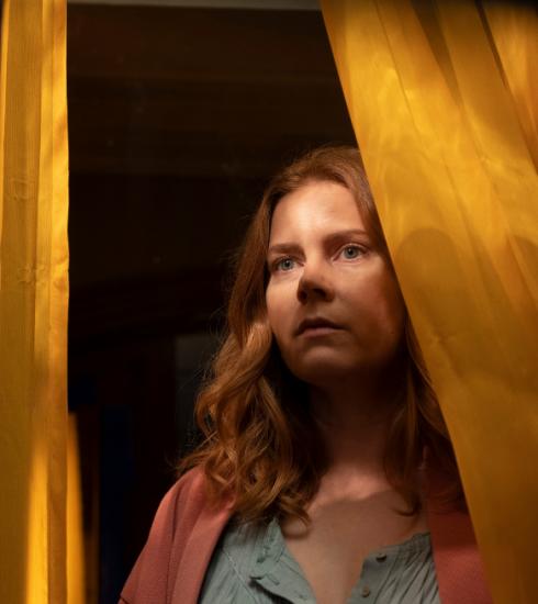 Netflix lanceert eindelijk officiële trailer van 'The Woman in the Window'
