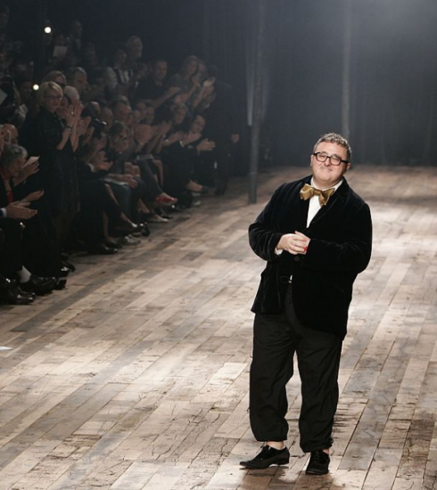 Modeontwerper Alber Elbaz gestorven aan Covid-19