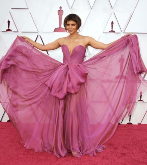 Oscars 2021: dit waren de mooiste looks op de rode loper