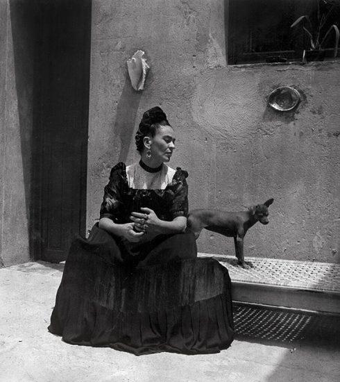 Duik mee in het leven van kunstenares Frida Kahlo met de expositie 'Her Photos'