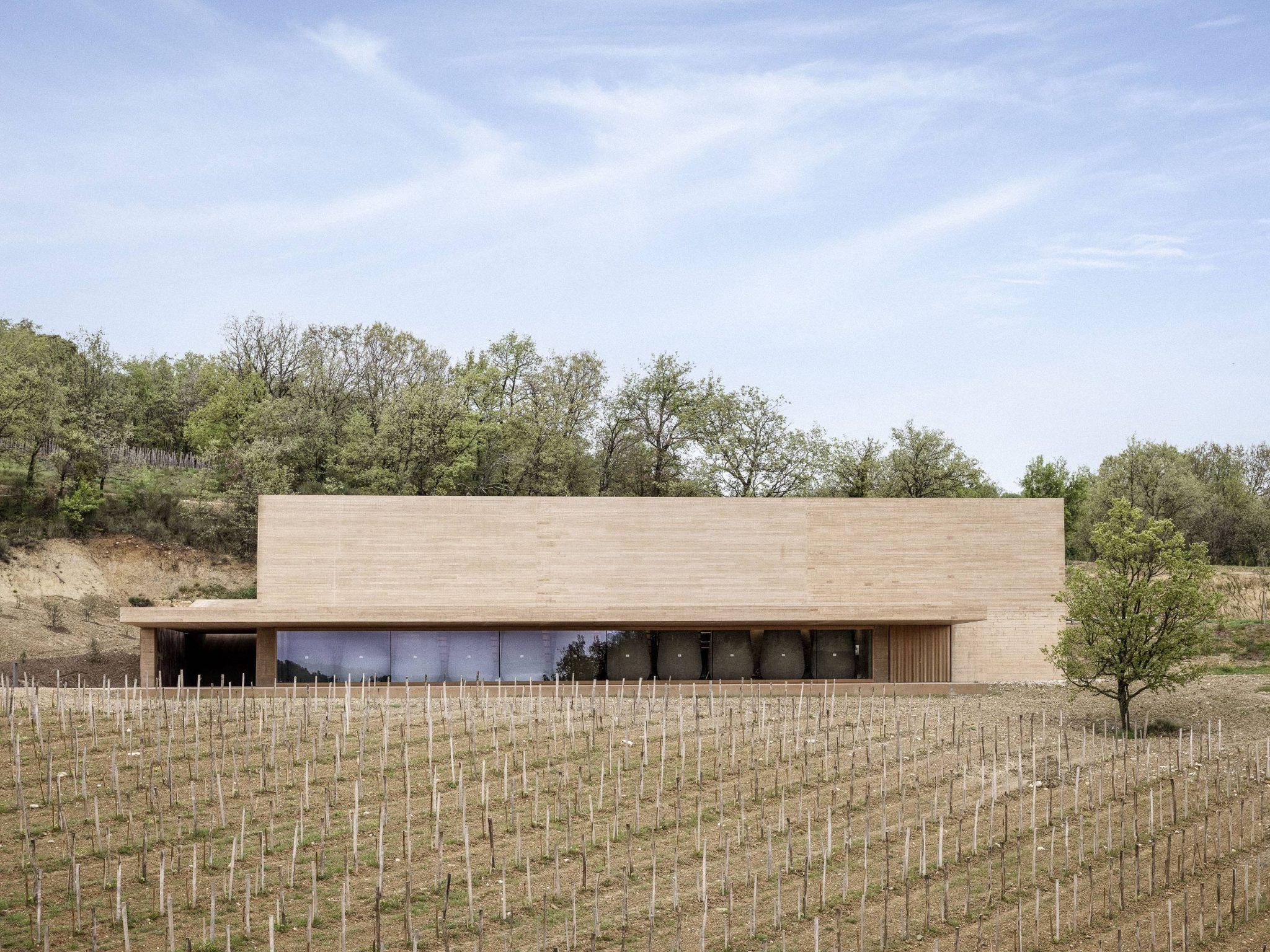 Kijk binnen in dit unieke wijnhuis van een Belgische vrouw in Zuid-Frankrijk - 1
