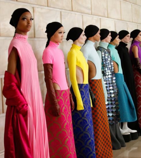 Marc Jacobs maakt comeback op de catwalk met extravagante FW21 collectie