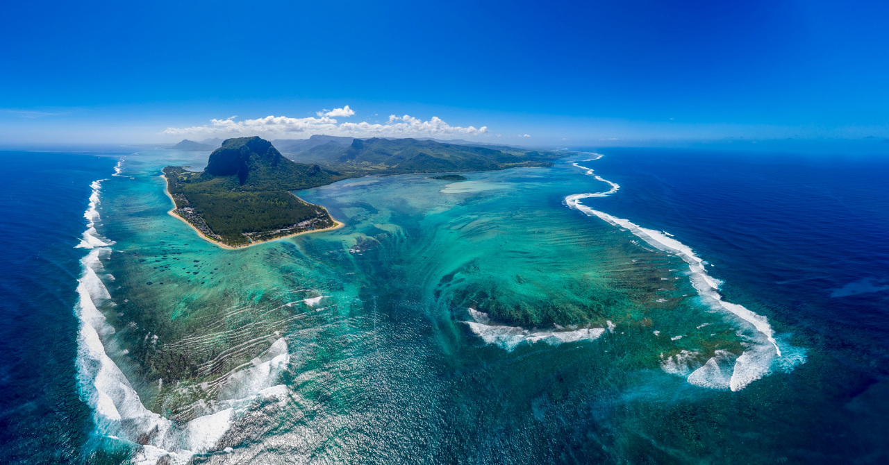 Deze 7 plaatsen staan wereldwijd bekend om hun helderblauwe stranden - 5