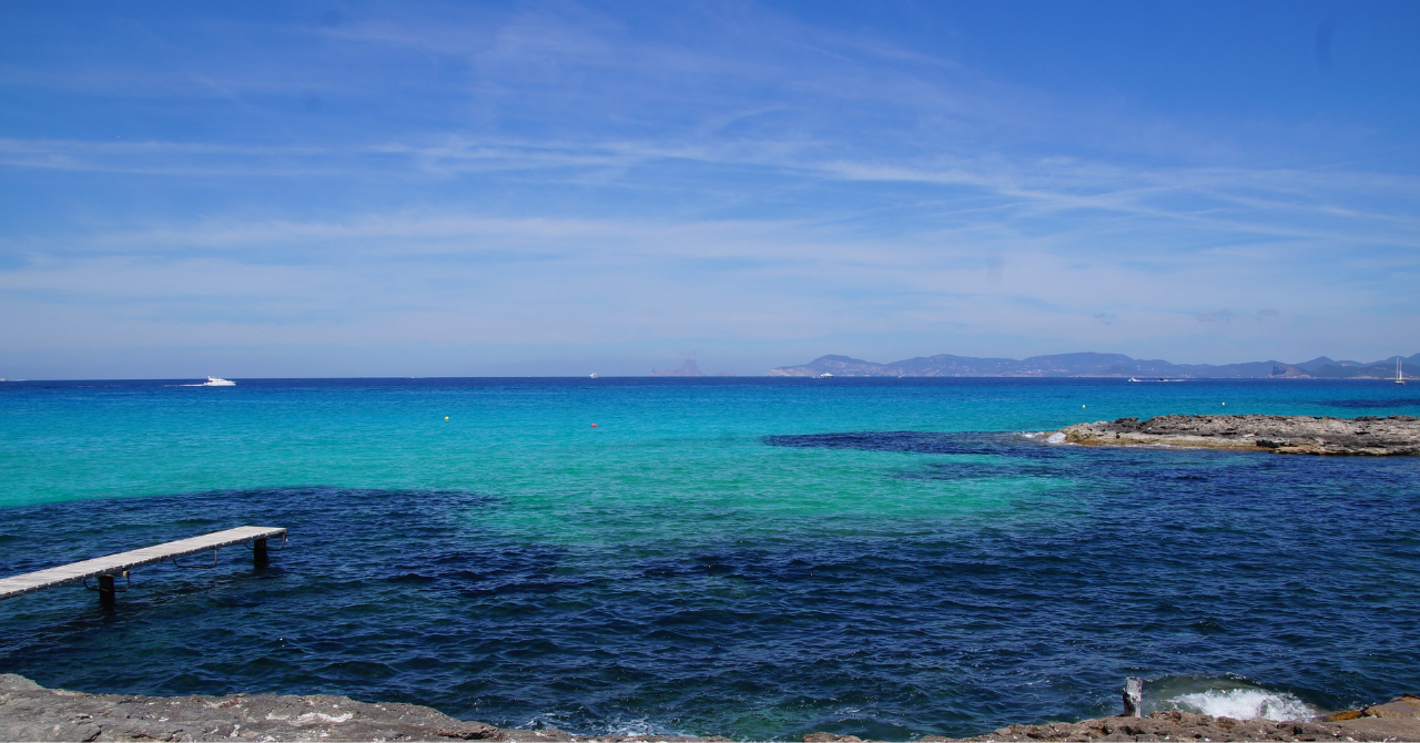 Deze 7 plaatsen staan wereldwijd bekend om hun helderblauwe stranden - 1