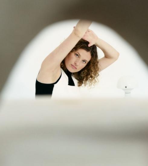 Olivia Borlée te zien in nieuwe campagne van Sisley Paris