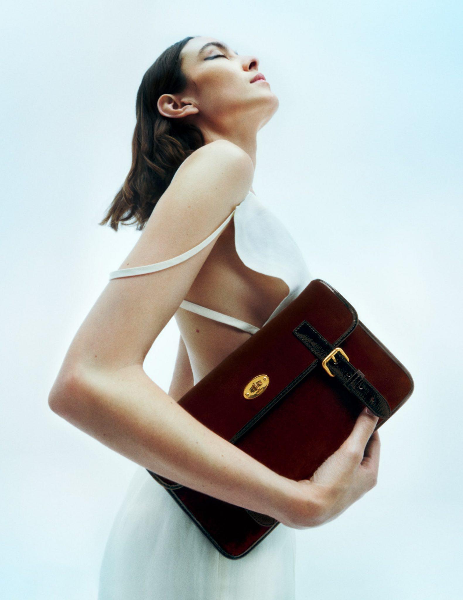Mulberry en Alexa Chung brengen een collectie handtassen uit - 5