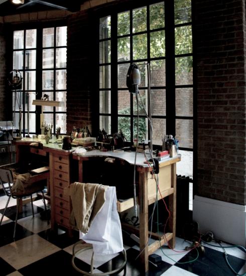 In dit atelier in Brussel ontwerpen jullie zelf jullie trouwringen