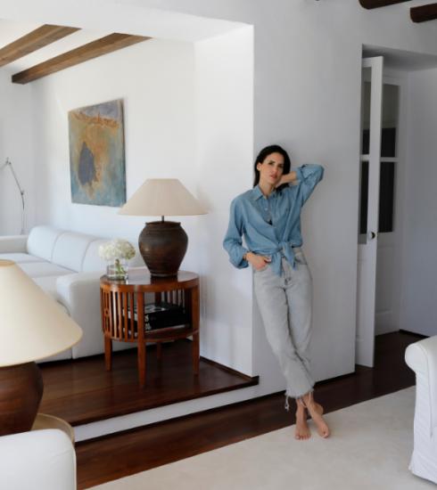 Kijk binnen in het minimalistische vakantiehuis van de Spaanse Alex Riviere