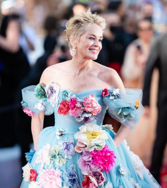 Grijs haar domineerde op de rode loper in Cannes (+ tips om het te verzorgen)