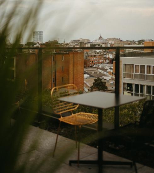 De fijnste rooftopbars in België om van de zon te genieten