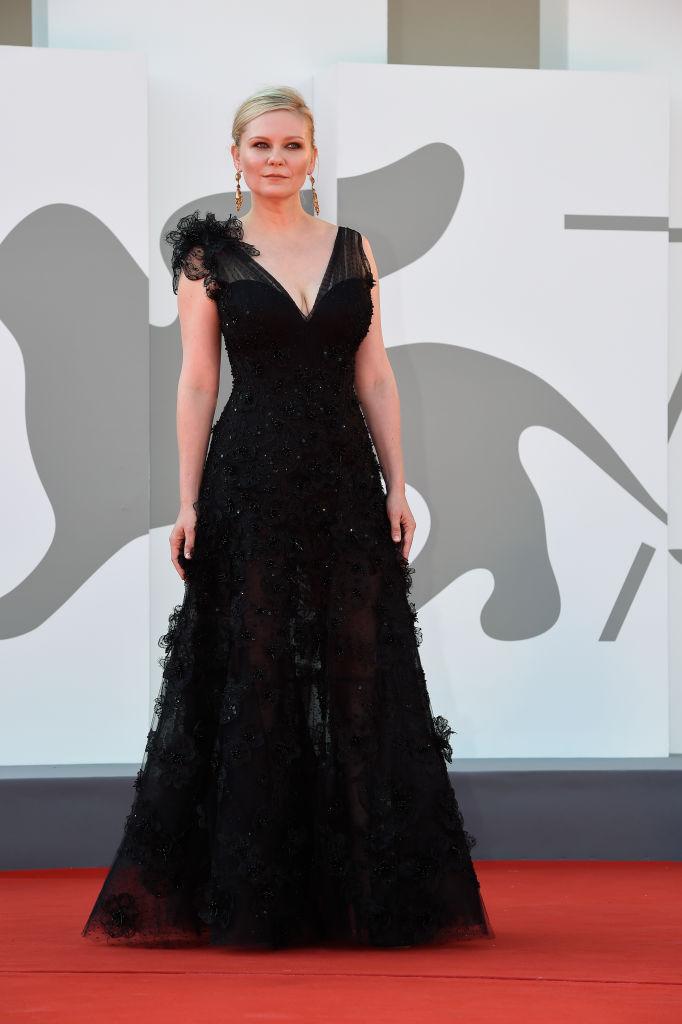 Het filmfestival van Venetië 2021: de mooiste looks op een rij - 8