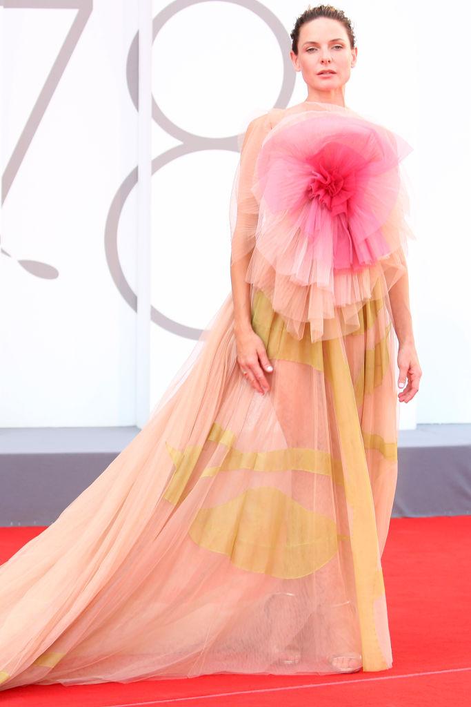 Het filmfestival van Venetië 2021: de mooiste looks op een rij - 11