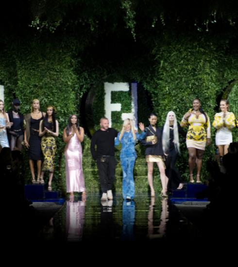 Versace x Fendi x Versace: bekijk hier alle looks