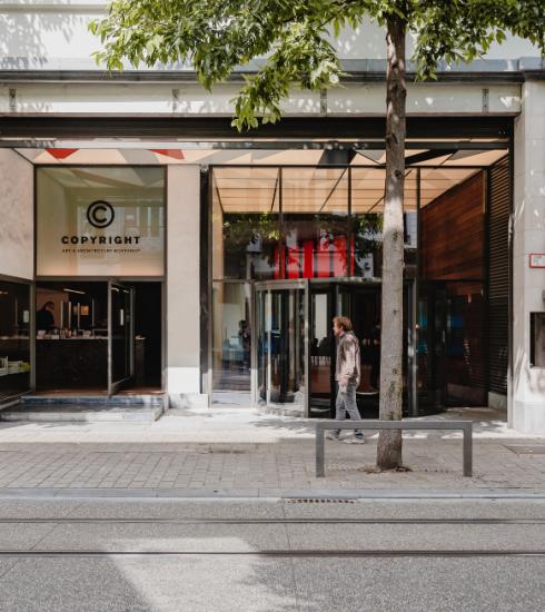 Het Antwerpse ModeMuseum heropent dit weekend feestelijk de deuren