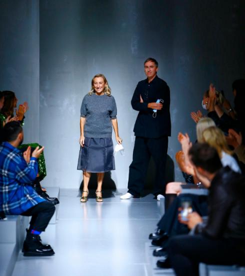 Prada SS22: Miuccia Prada en Raf Simons verkennen de grenzen van verleiding