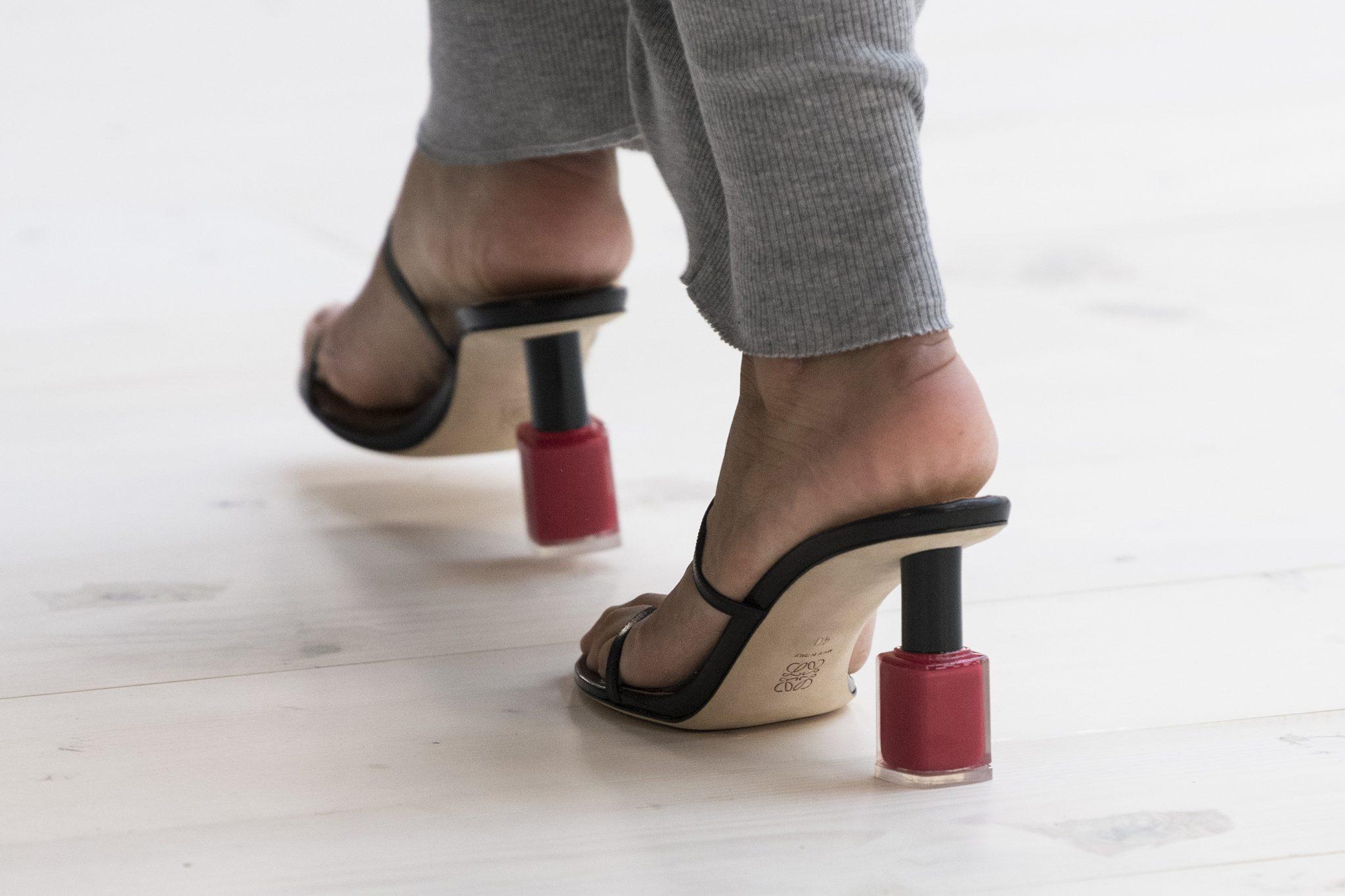 De leukste schoenen spotten we bij Loewe SS22 - 1