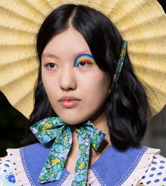 De mooiste make-uplooks van fashion week SS22